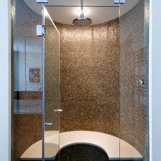 Contemporary Bathroom by Matti Rosenshine Architects