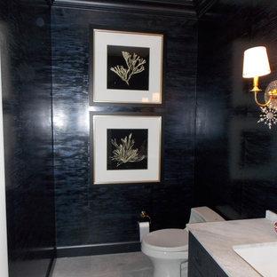 Ispirazione per una stanza da bagno con doccia minimal di medie dimensioni con ante con riquadro incassato, ante nere, pareti multicolore, pavimento in marmo, top in marmo, pavimento multicolore e top multicolore