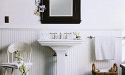Black & White Farmhouse Bath
