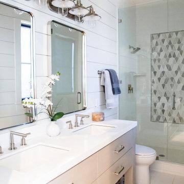 Blanc & Noir Bathroom