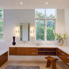 Contemporary Bathroom by James D. LaRue Architects
