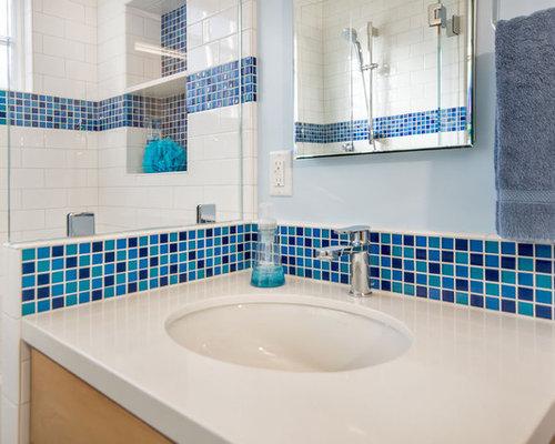 Mosaic Tile Bathroom Floor Ideas: Glass Mosaic Accent Tile