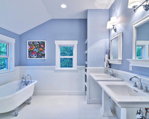 Best blue heather design ideas remodel pictures houzz for Bungalow bathroom designs