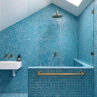 Inspiration for a scandinavian bathroom in Melbourne.