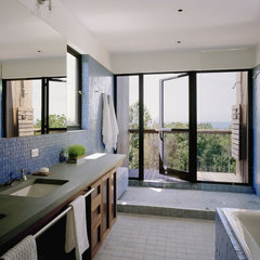 modern bathroom by Robert Young Architects