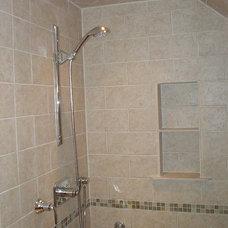 Mediterranean Bathroom by Tomlinson & Girt Bldg. Cont. LLC