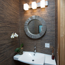 Rustic Bathroom by Bonin Architects &  Associates