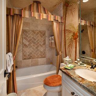 Cette photo montre une salle de bain exotique.