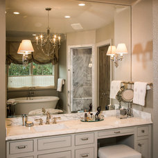 Bathroom by Thompson Custom Homes