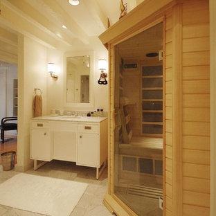 Ispirazione per una grande sauna design con ante lisce, ante bianche, doccia alcova, piastrelle grigie, piastrelle bianche, piastrelle di marmo, pareti bianche, pavimento in marmo, lavabo sottopiano, top in marmo e porta doccia a battente