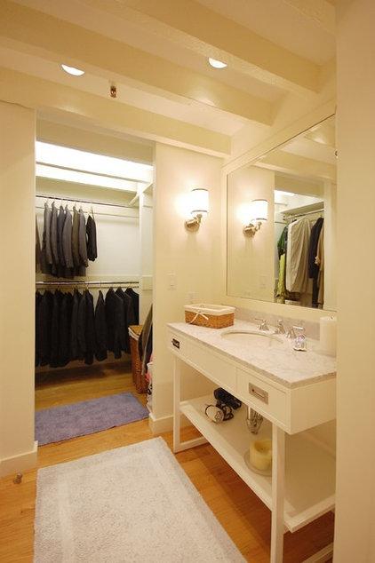 Contemporary Bathroom by Leslie Saul & Associates