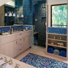 Modern Bathroom by Flavin Architects
