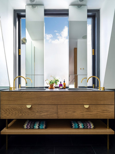 Contemporary Bathroom by Luigi Rosselli Architects