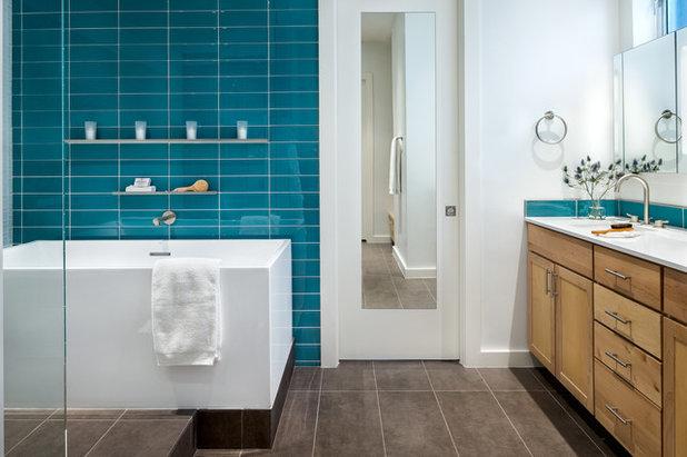 コンテンポラリー 浴室 by CG&S Design-Build