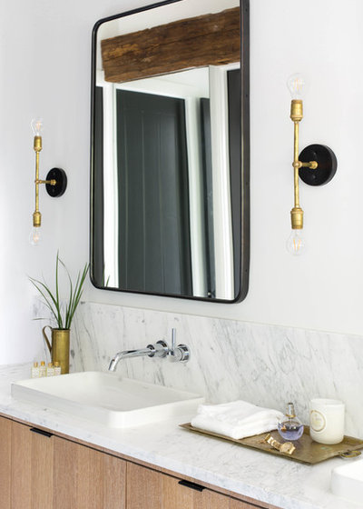 Farmhouse Bathroom by co(X)ist Studio