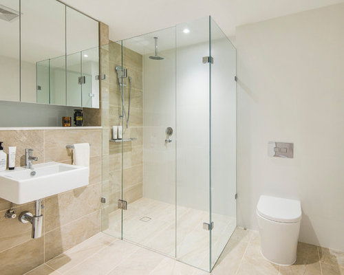 Small bathroom design ideas remodels photos with marble for Tiny 3 piece bathroom