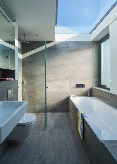 Contemporary Bathroom by Neil Dusheiko Architects