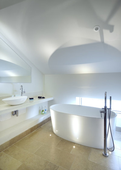 Contemporary Bathroom by PAD studio