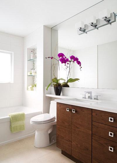 Современный Ванная комната by Hicks Fine Homes - (Hicks Interiors Inc.)