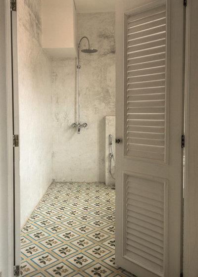 Asian Bathroom by Swapnil Bapat