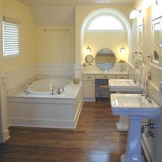 Craftsman Bathroom by RTA Studio