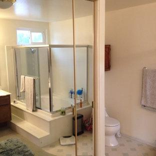 Elegant bathroom photo in Orange County