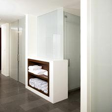 Modern Bathroom by Whitten Dunn Architects