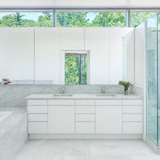 Contemporary Bathroom by Howeler + Yoon Architecture