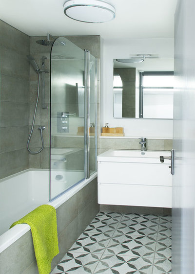 Contemporary Bathroom by Pataross Projects