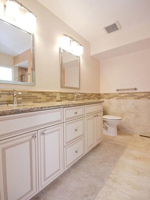 badezimmer mit linoleum und st bchenfliesen design ideen. Black Bedroom Furniture Sets. Home Design Ideas