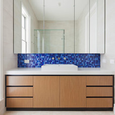 Modern Bathroom by Chan Architecture Pty Ltd