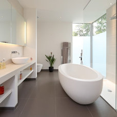 Contemporary Bathroom by Nicolas Tye Architects