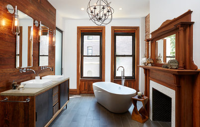 10 Beautiful White-and-Wood Bathrooms