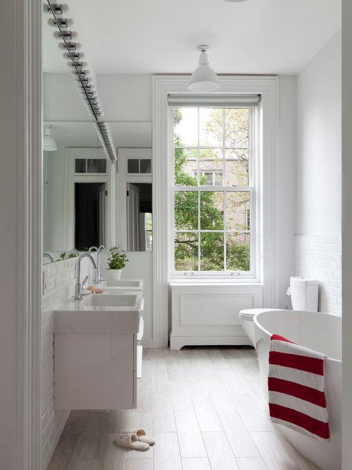 Industrial badezimmer mit hellem holzboden design ideen for Badezimmer ideen mit holzboden