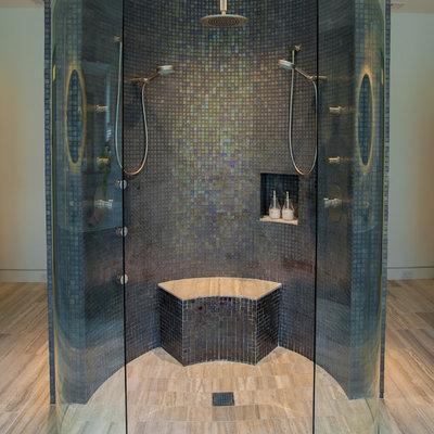 Inspiration for a contemporary bathroom remodel in Dallas with a niche