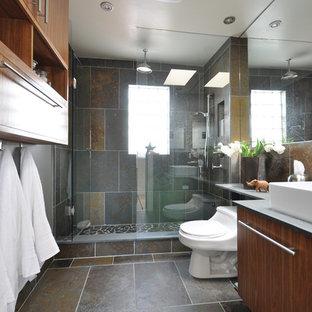 Ispirazione per una stanza da bagno contemporanea con doccia aperta, lavabo a bacinella, doccia aperta e piastrelle in ardesia