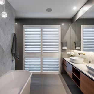 Design ideas for a contemporary bathroom in Gold Coast - Tweed.