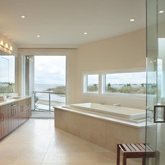 modern bathroom by Bruce D. Nagel Architect