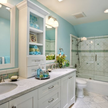Bathroom Design Ideas Renovations Photos With A Submerged Bath And Whi