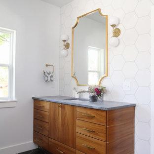 Удачное сочетание для дизайна помещения: ванная комната в стиле современная классика с плоскими фасадами, фасадами цвета дерева среднего тона, черно-белой плиткой, белыми стенами и врезной раковиной - самое интересное для вас