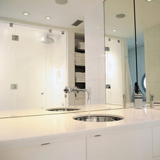Contemporary Bathroom by Make3 architecture