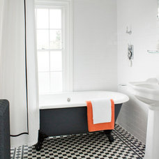 Eclectic Bathroom by Amberth