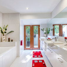 Asian Bathroom by Ayla Constructions