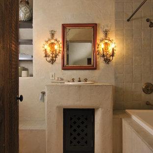 Idee per una stanza da bagno american style con vasca da incasso