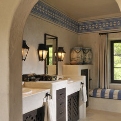mediterranean bathroom by FGY Architects