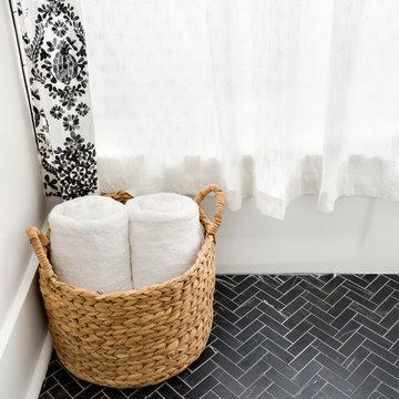 Bulaful Home Guest Bathroom