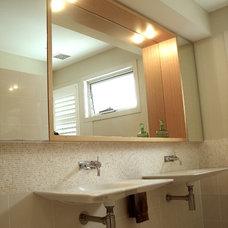 Contemporary Bathroom by NICOLE WESTON ARCHITECT