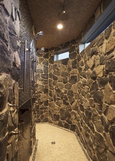 Traditional Bathroom by Wolf Custom Homes Ltd.