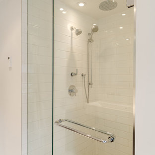 Inspiration for a contemporary bathroom remodel in Toronto