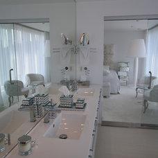 Contemporary Bathroom by Butikk Service